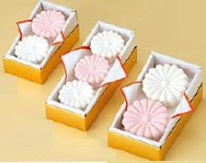 御紋入り叙勲・褒章の記念品ギフトお祝い内祝い和菓子お菓子